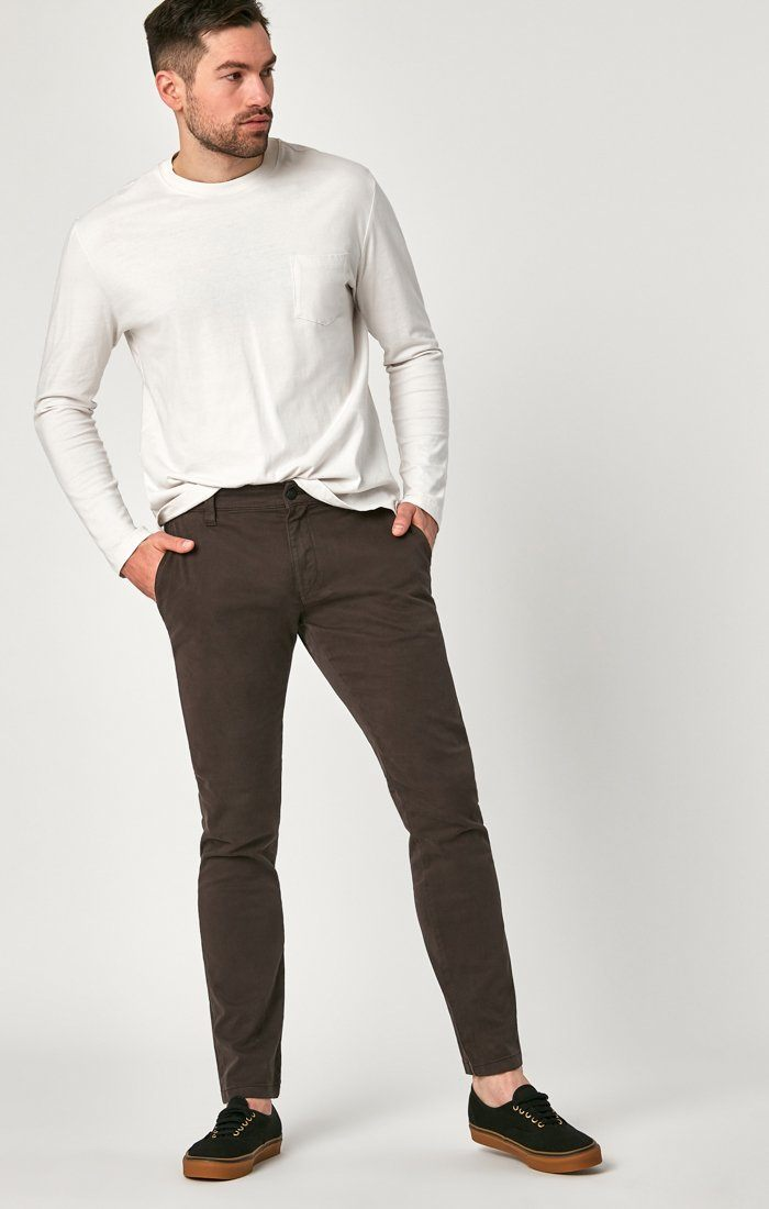 JOHNNY SLIM CHINO IN BLACK COFFEE SATEEN - Mavi Jeans