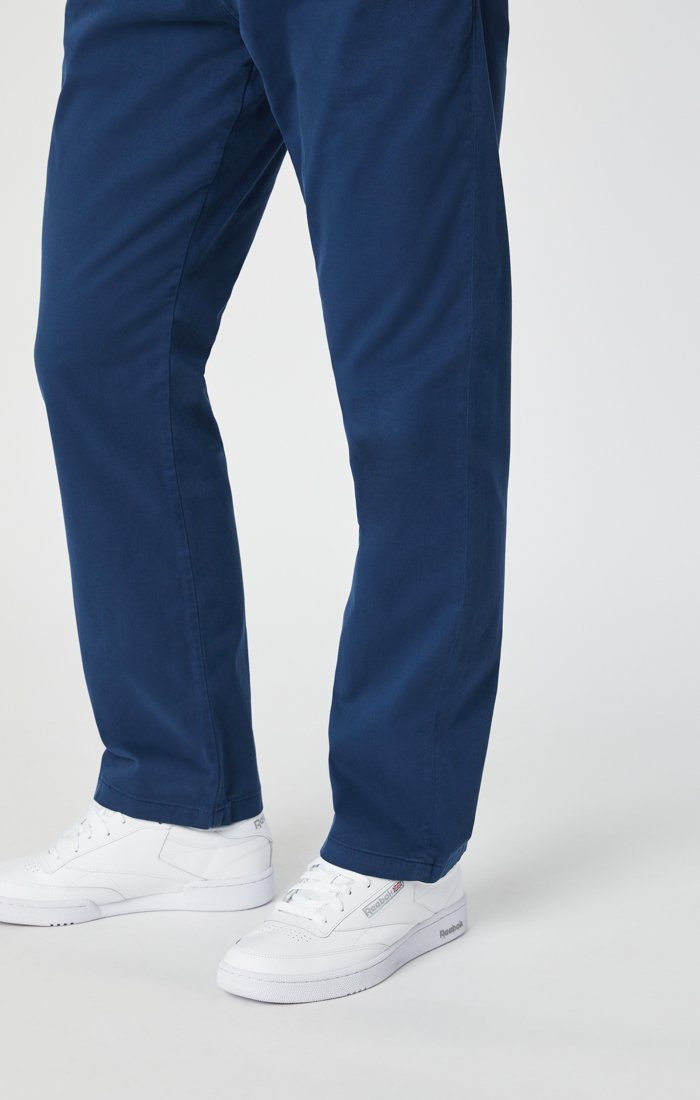 PHILIP RELAXED STRAIGHT CHINO IN NAVY TWILL Image 9