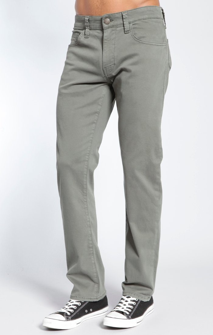 ZACH STRAIGHT LEG IN ARMY GREEN TWILL - Mavi Jeans
