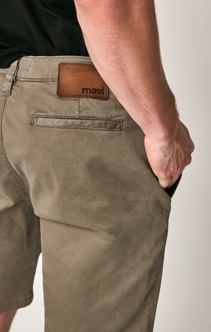 MATTEO SHORTS IN DUSTY OLIVE SATEEN TWILL Image 4