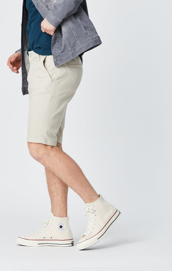 JACOB SHORTS IN STONE COMFORT Image 3
