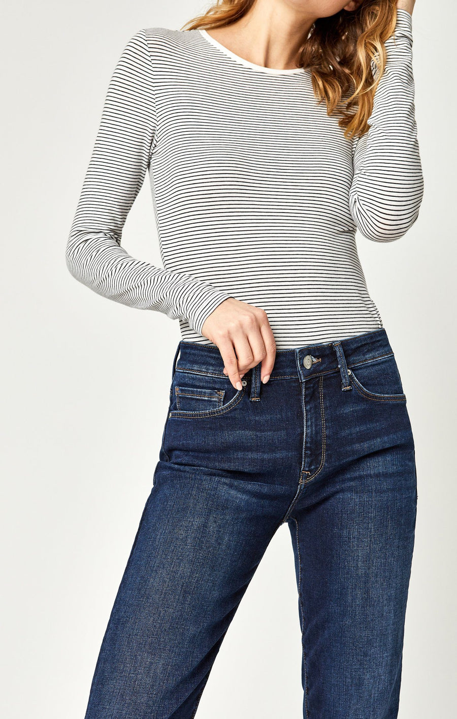 NIKI STRAIGHT CROP IN DEEP FRAYED TRIBECA - Mavi Jeans