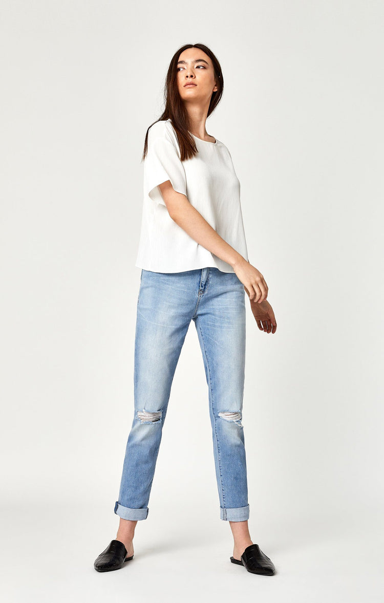 LEA HIGH RISE BOYFRIEND IN LT RIPPED VINTAGE - Mavi Jeans
