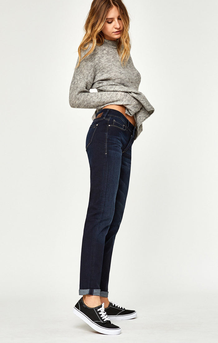 EMMA SLIM BOYFRIEND IN DEEP BRUSHED TRIBECA - Mavi Jeans