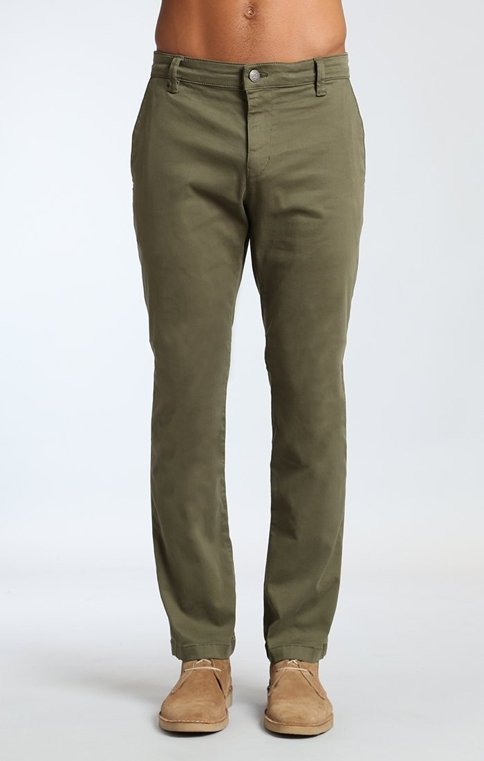 EDWARD CHINO IN OLIVE TWILL