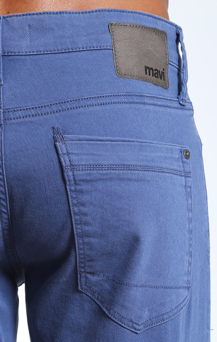 ZACH STRAIGHT LEG IN BLUE SOHO COMFORT - Mavi Jeans