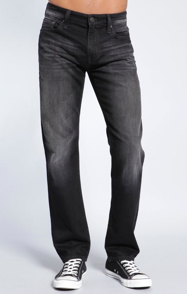 ZACH STRAIGHT LEG IN BLACK BRUSHED YALETOWN - Mavi Jeans