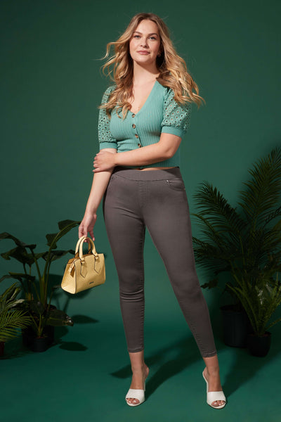 Skinny Pull-On Jeans with Pockets & Belt Loops