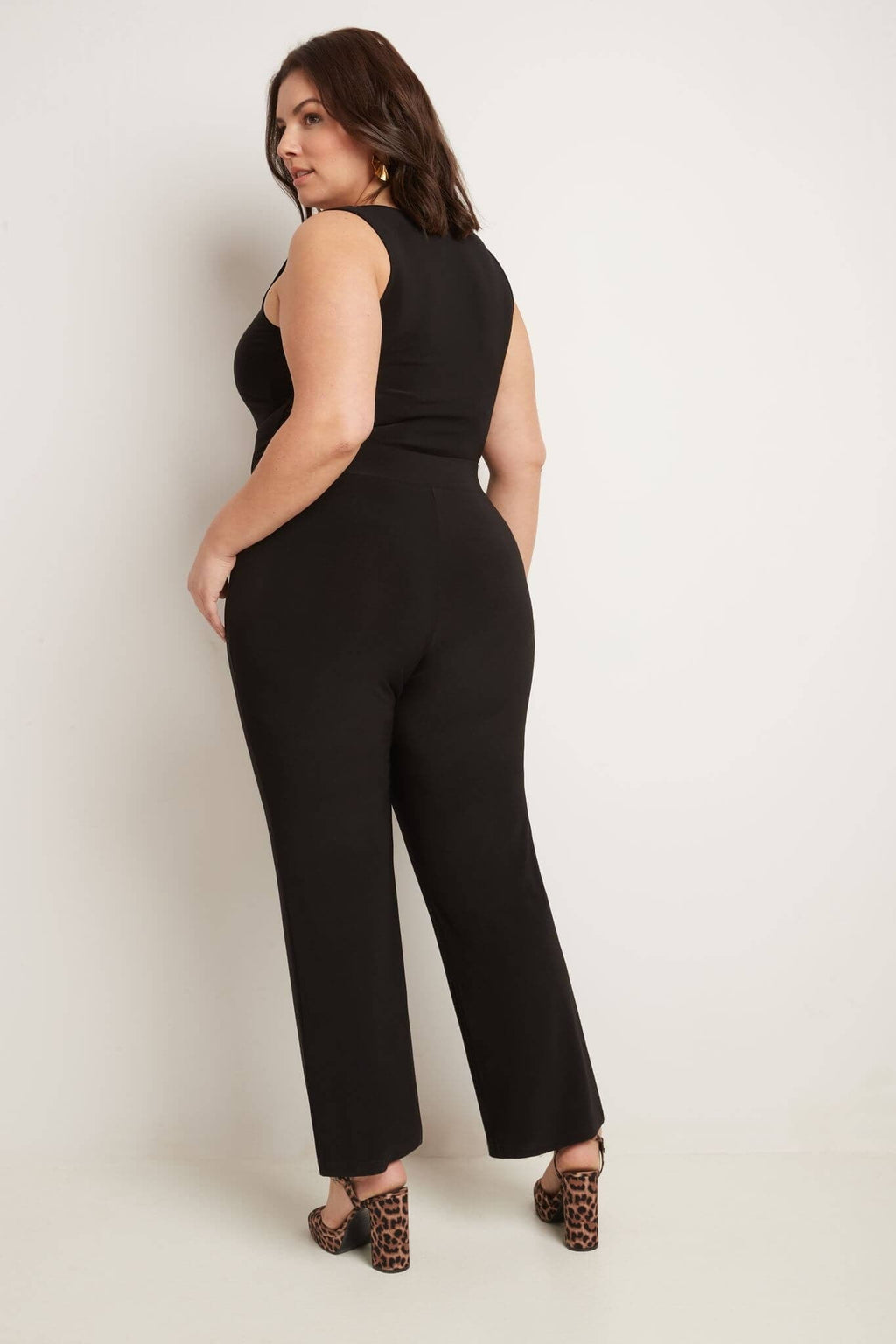 Travel in Rekucci Style - Curvy Woman Classic Straight Leg Plus Size Pant