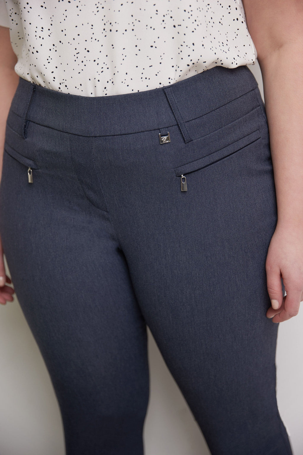Curvy Pull-on Bootcut Pants with Zipper Pockets