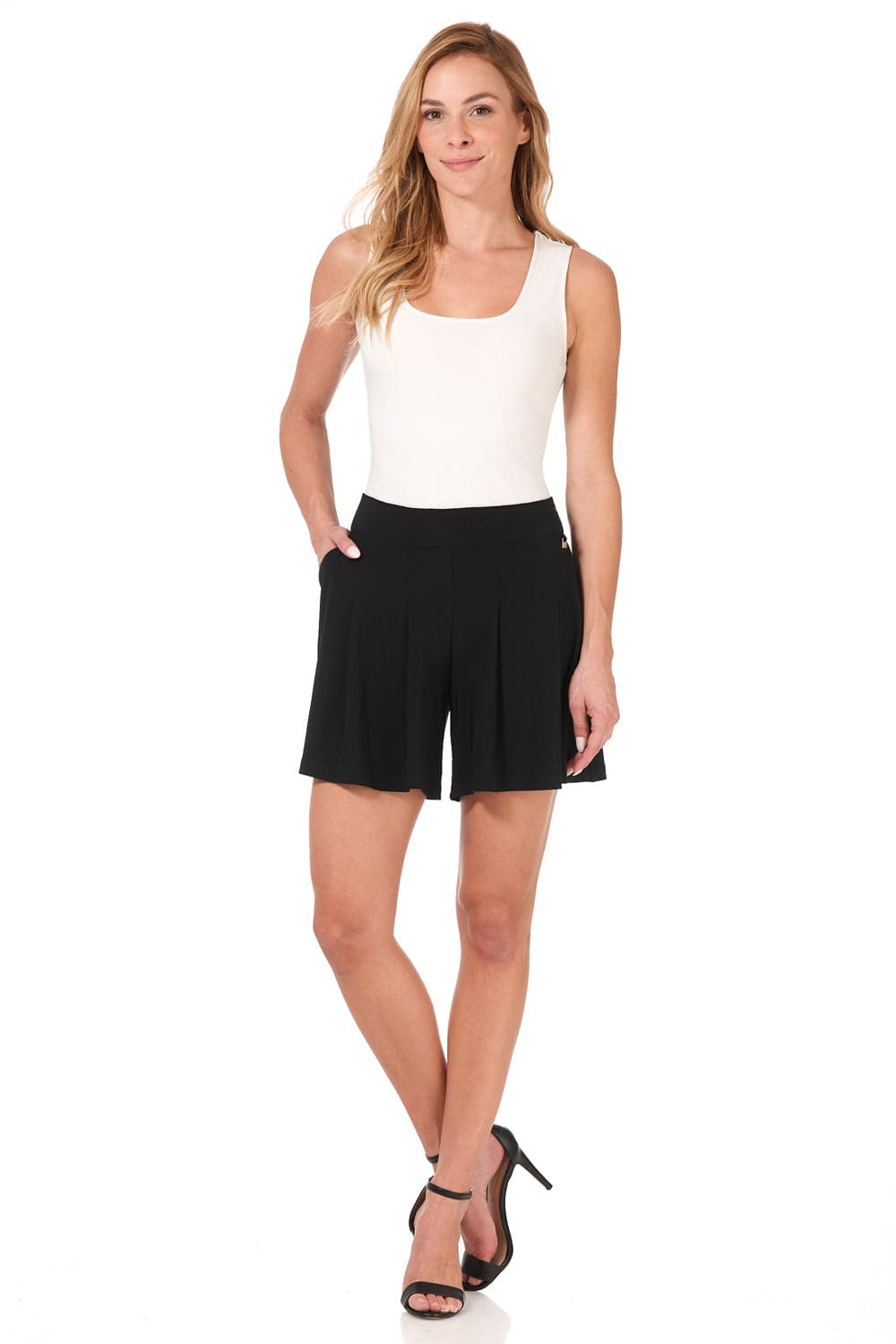 Travel-in-Style Dressy Shorts with Flippy Wide-cut Design