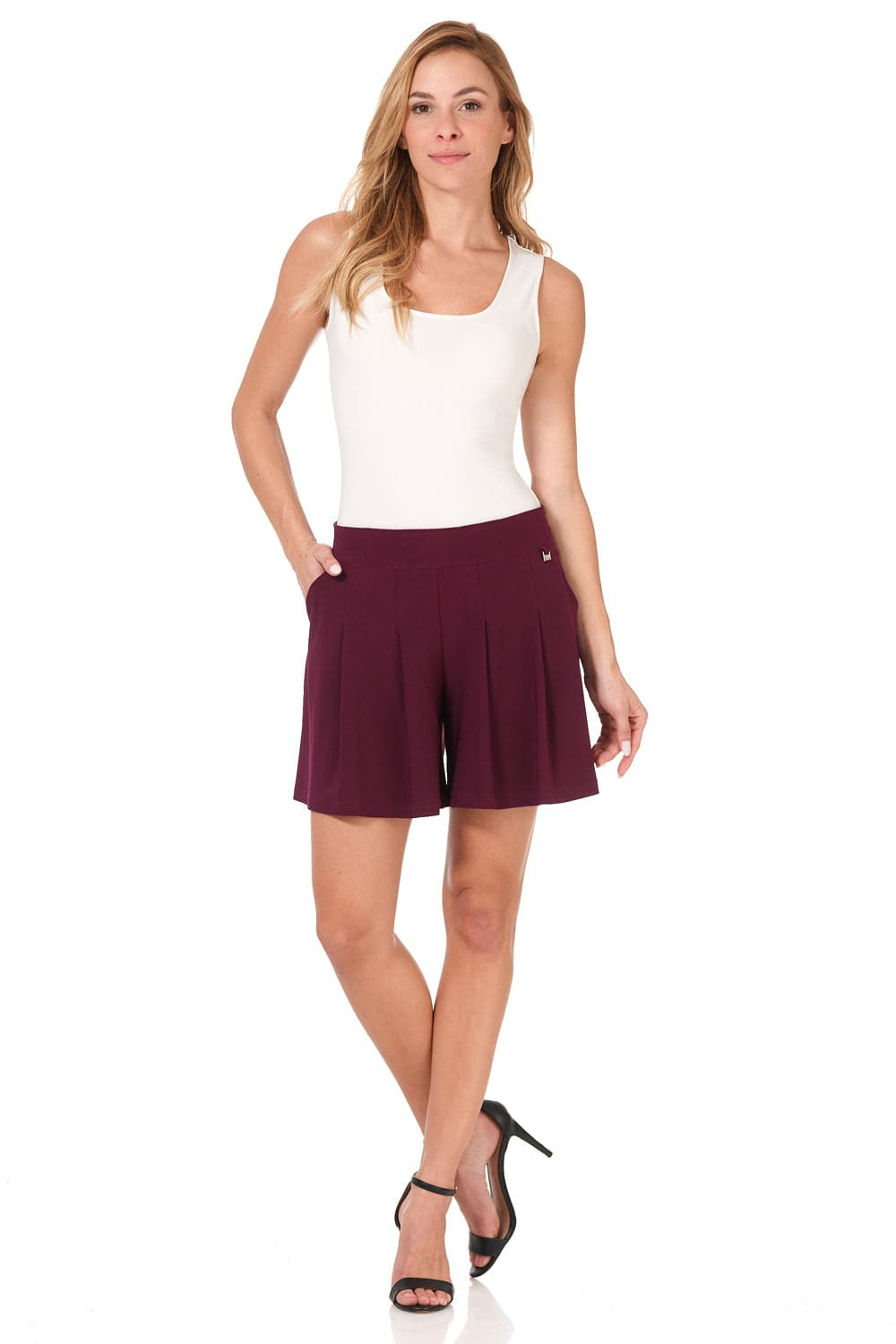 Comfy Collection Knit Shorts with Flippy Wide-cut Design