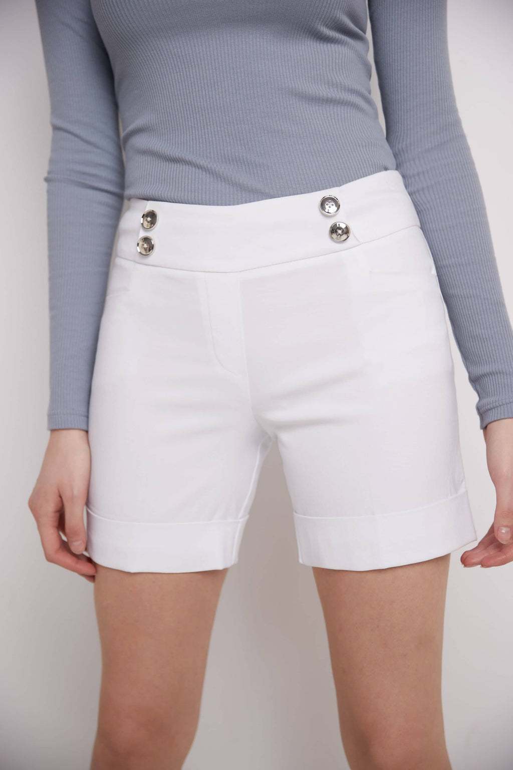 "Classic 6"" shorts with cuffed button detail"