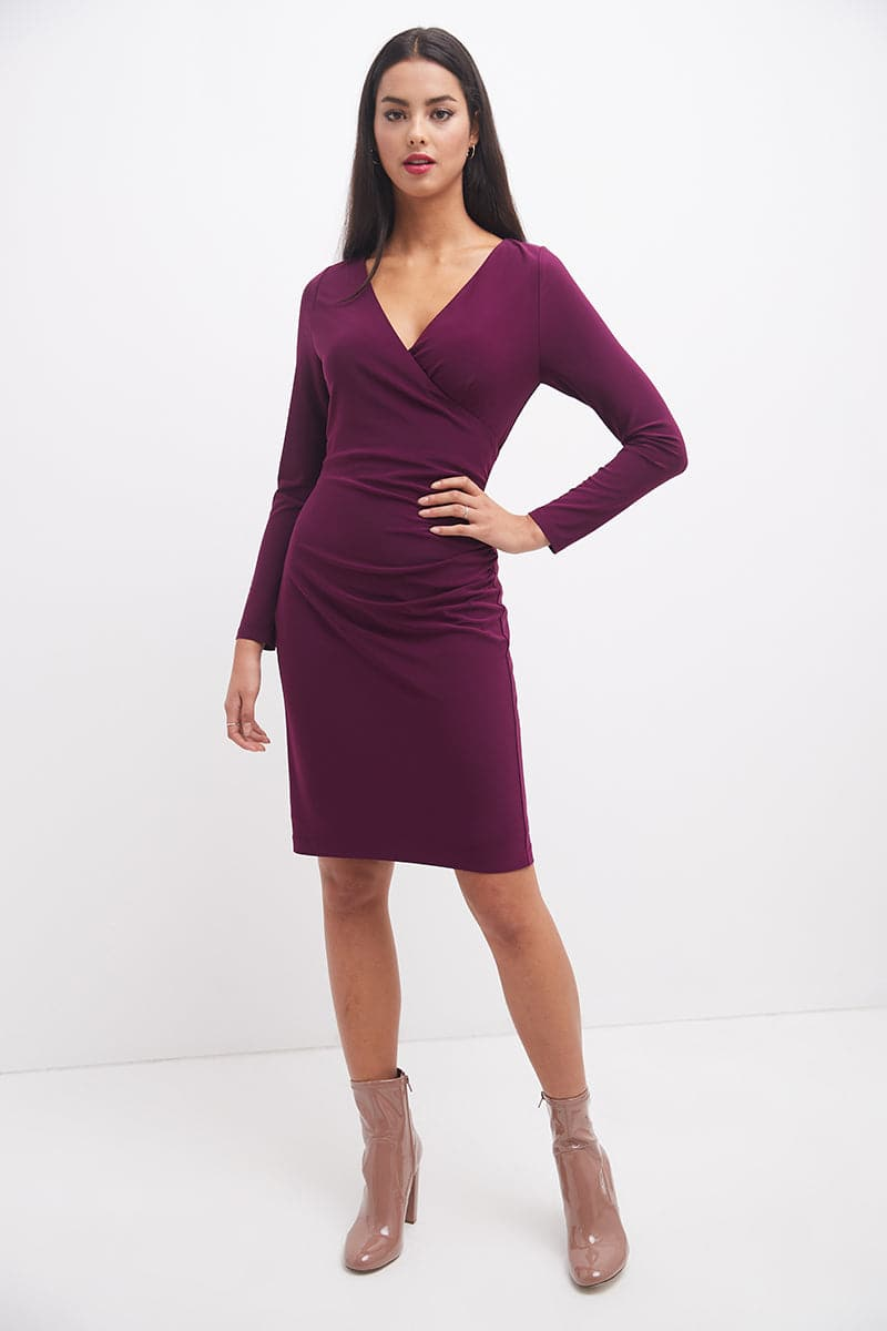 Classic Chic Shift Dress with 3/4 Sleeves