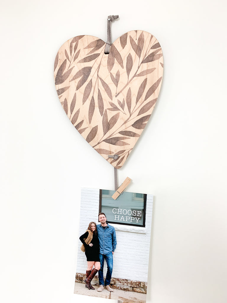 Heart With Leaves Memory Keeper. A perfect way to display your favorite photos with this unique wall hanging