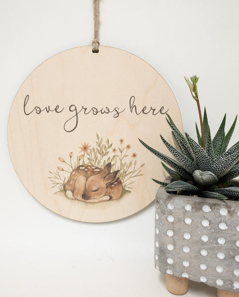 loves grows here_urban nest decor