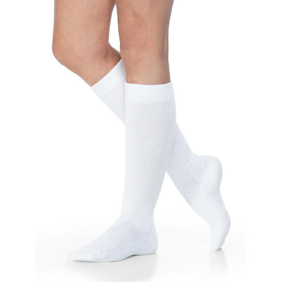 Sigvaris Eversoft 8-15 mmHg Knee High Diabetic Compression Socks, White