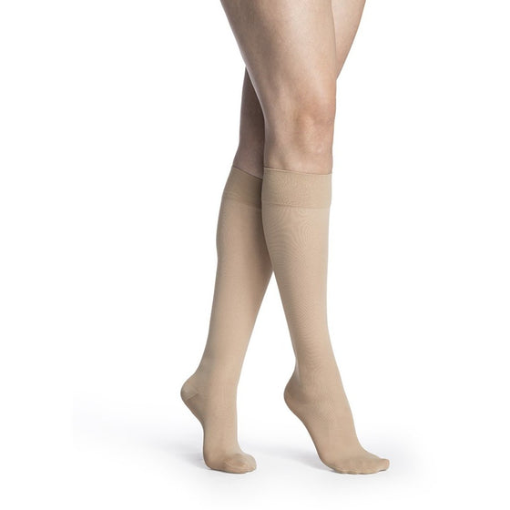 Sigvaris Medium Sheer Women's 20-30 mmHg Knee High, Natural