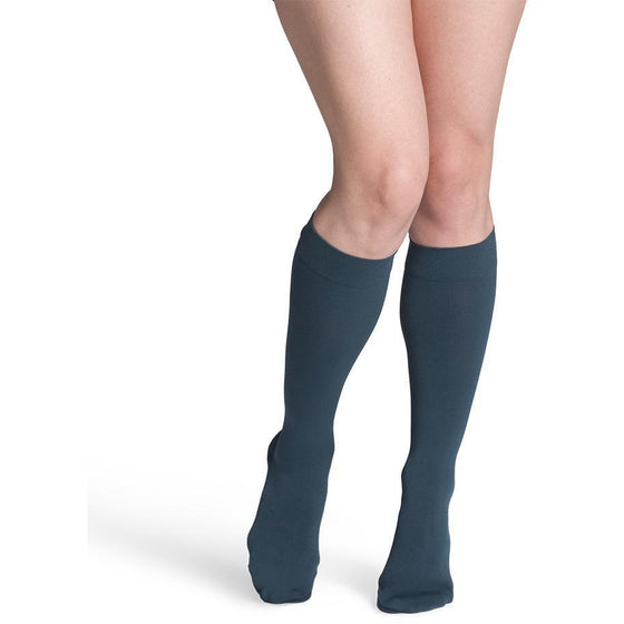 Sigvaris Soft Opaque Women's 20-30 mmHg Knee High, Teal