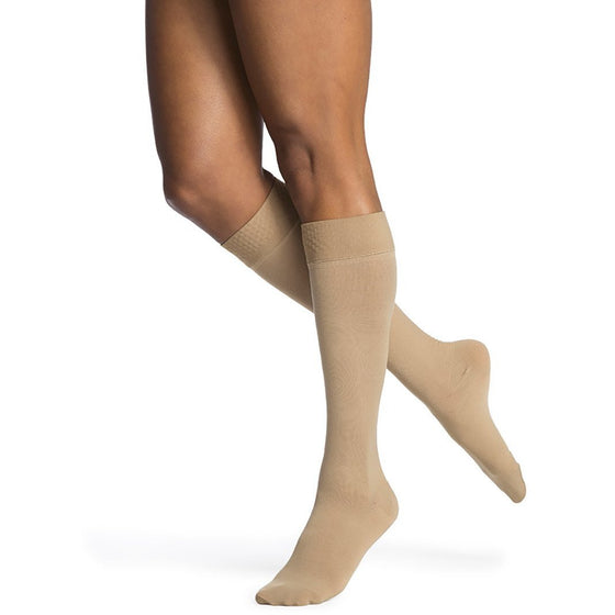 Sigvaris Opaque Women's 20-30 mmHg Knee High w/ Silicone Band Grip-Top, Light Beige (Crispa)
