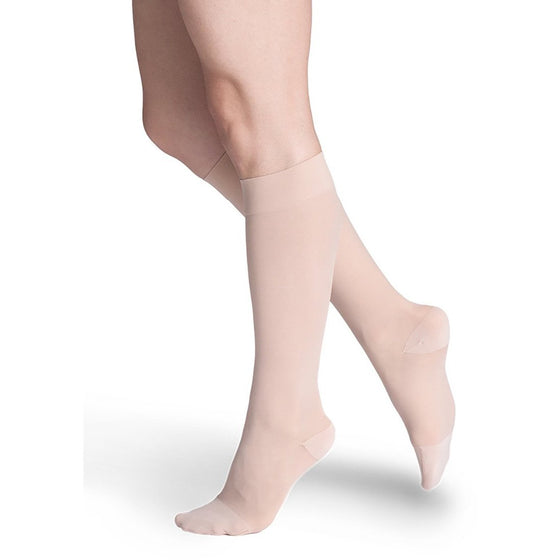 Sigvaris Sheer Women's 15-20 mmHg Knee High, Warm Sand