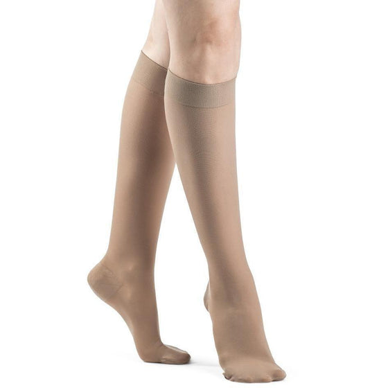 Dynaven Women's 20-30 mmHg Knee High, Light Beige (Crispa)