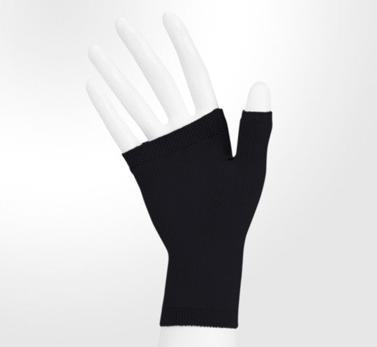 Juzo 30-40 mmHg Soft Seamless Gauntlet, Black