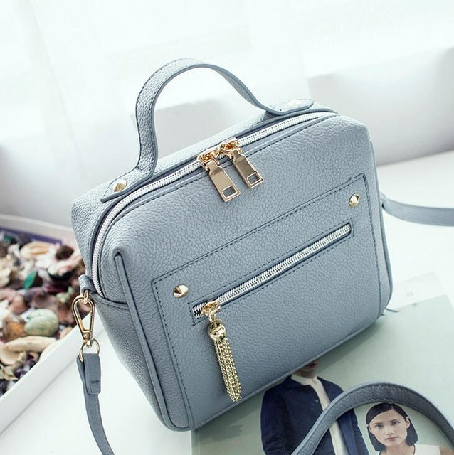 b5d7bdd55ef6 ... Retro Female Minimalist Crossbody Bag Small Women Shoulder Bag Tassel  Women Messenger Bags Tote Handbag Designer ...
