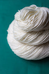 LE American Superwash Merino DK Undyed Yarn (5 x 100g pack) dyersupplier