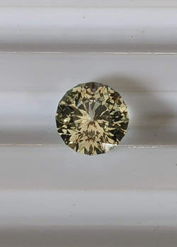 2.4ct NATURAL GOLDEN YELLOW TO GREEN COLOR SHIFT MONTANA SAPPHIRE.