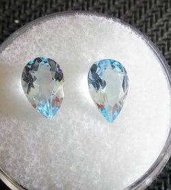 2.96ct MATCHED PAIR OF PEAR SHAPED AQUAMARINE - Blaze-N-Gems