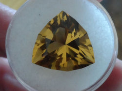 9.30 BEAUTIFUL GOLDEN YELLOW FANCY TRILLION CUT CEYLON CITRINE