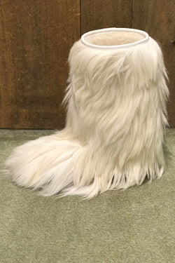 810 White Goat Fur Boot