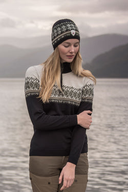 Hovden Feminine Sweater in 2 Colors