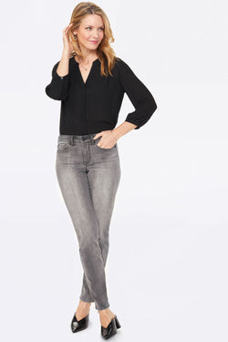 Sheri Slim Light Wash Jean