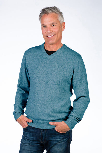 Classic V-Neck Pullover in 2 Colors