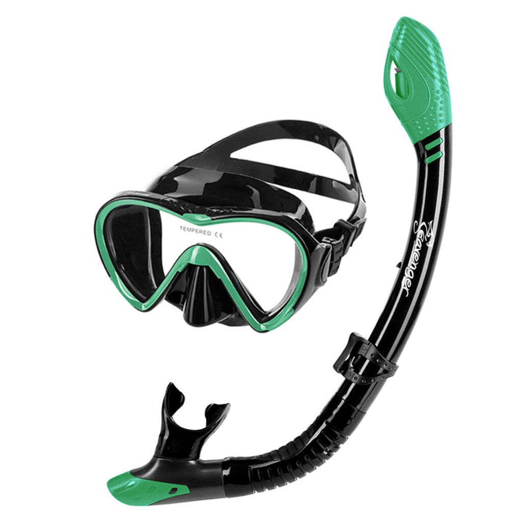 Peppermint green dive mask and snorkel set