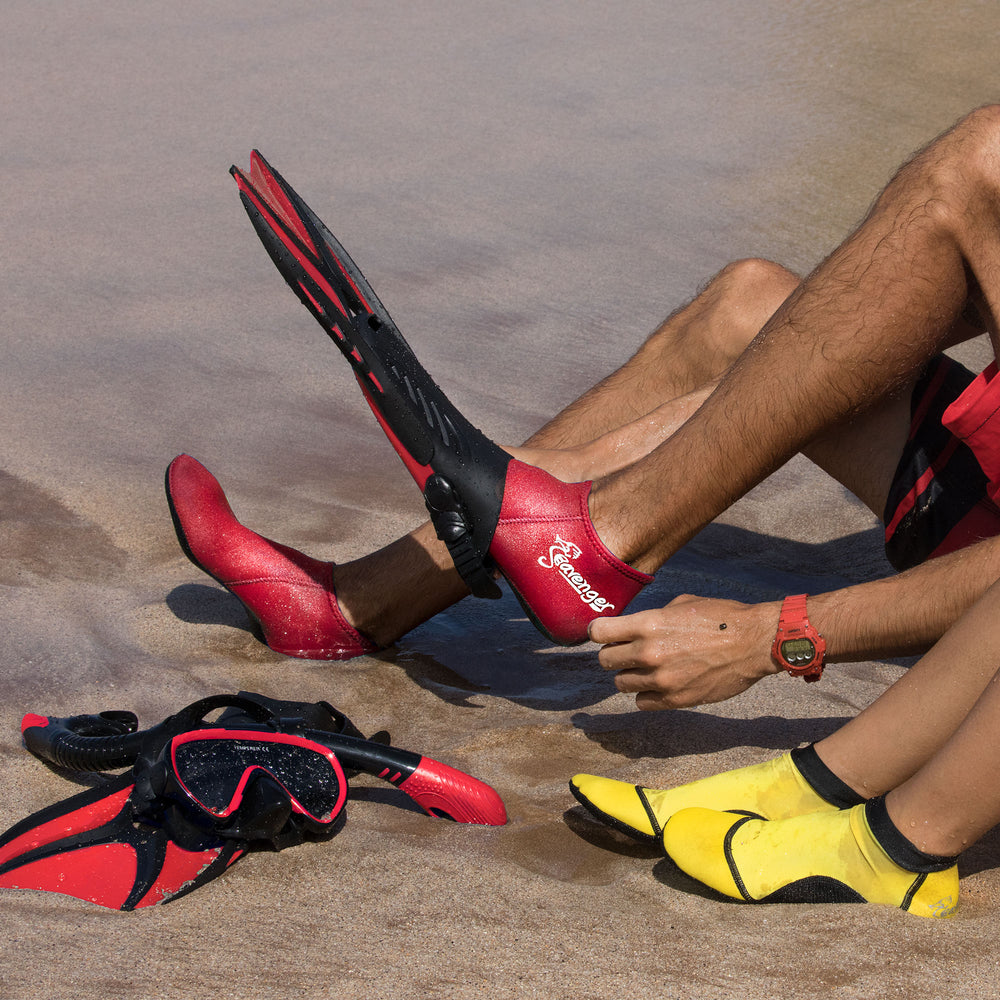 Voyager Snorkel Set - Black Silicone/Red
