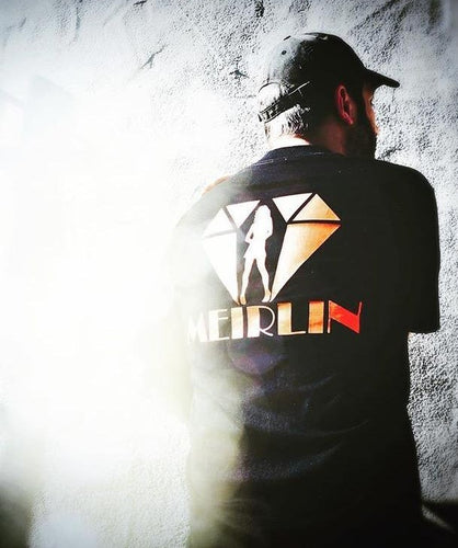 MEIRLIN BACK LOGO TEE - BLACK x ORANGE [S-2XL]