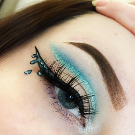 "@gorzynska_a is wearing Glitter Lambs ""Aquarium"" loose eyeshadow pigment in this eye makeup looks she created"