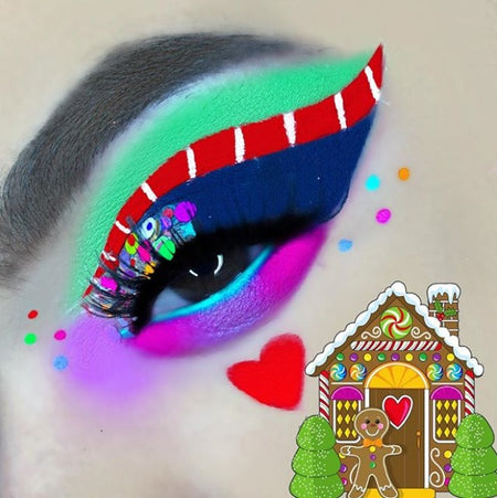 "@muasamantharose is wearing Glitter Lambs ""Reindeer Games"" chunky body glitter in this Christmas Gingerbread House eye makeup look"