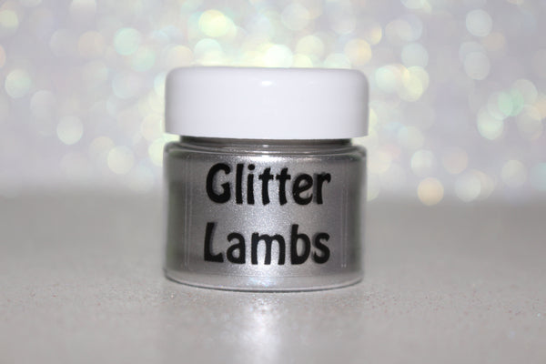 "Glitter Lambs ""Platinum"" Loose Eyesahdow Swatch On Hand"
