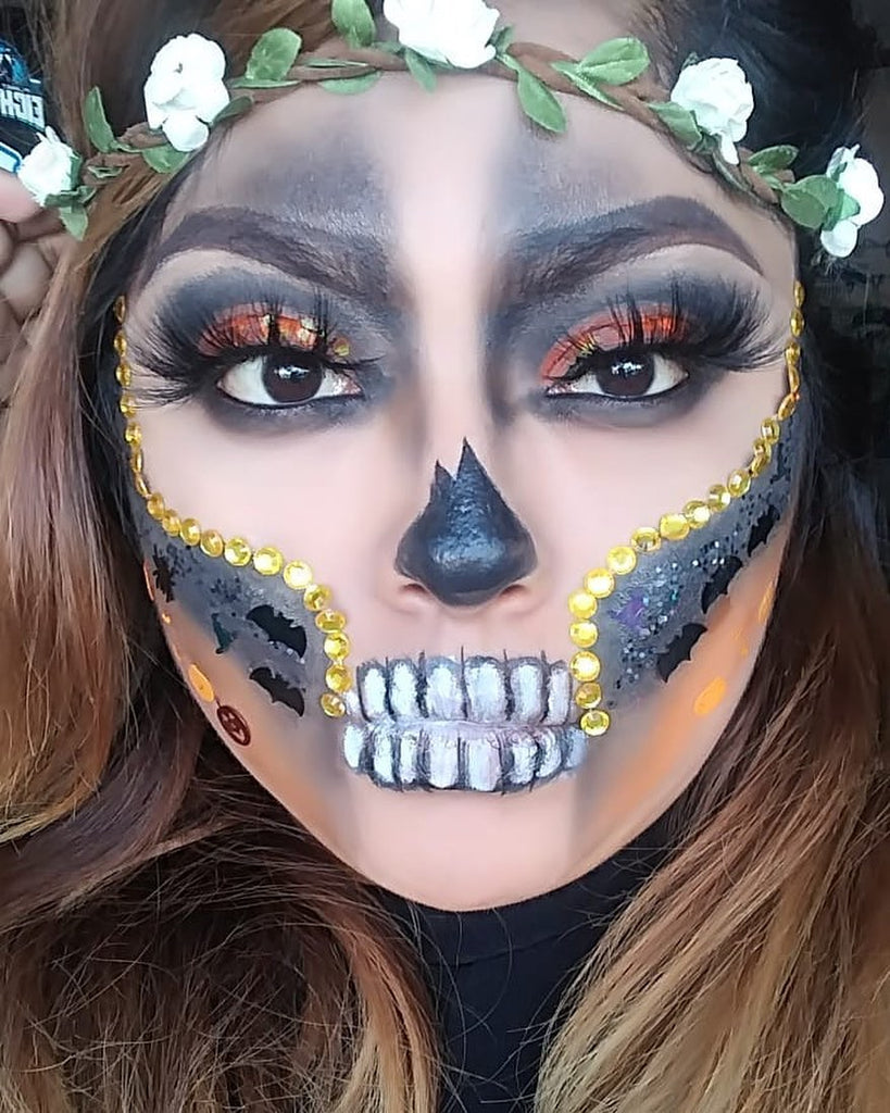"Glitter Lambs ""Haunted House"" Halloween glitter worn by @anabelleshines in this Glitter Skull Halloween makeup look"