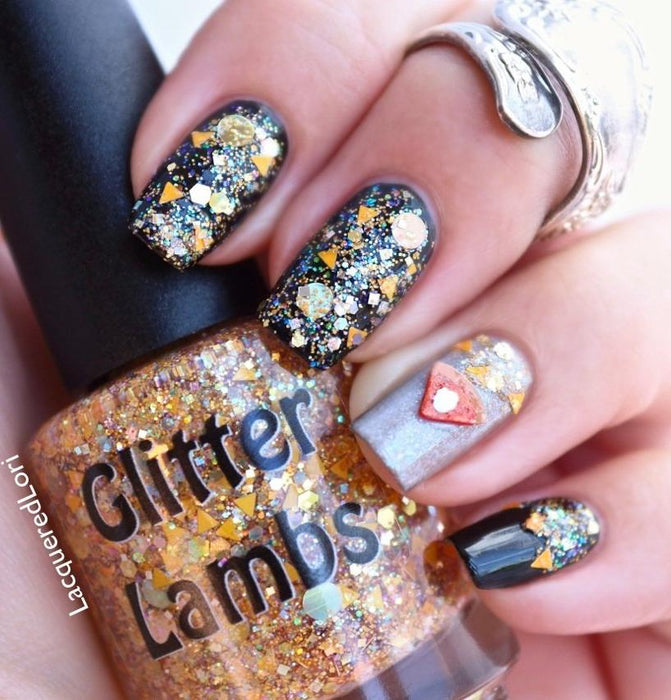 "Glitter Lambs ""Pumpkin Pie"" glitter topper nail polish worn by @lacqueredlori #nails #glitternails #nailart #naildesigns #glitterlambs #nailpolish #polish #glitternailpolish"