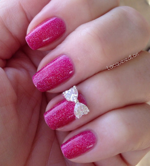 "Glitter Lambs ""Luxury Bow Nail Charm"" worn by @lacqueredlori #nails #nailcharm #charms #nailcharms #glitterlambs"