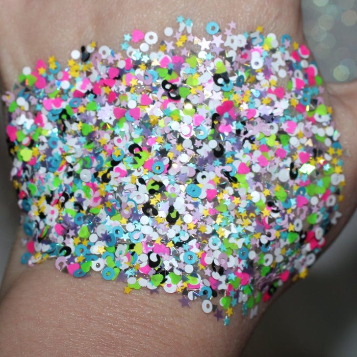 "Glitter Lambs ""Misfit Toys"" chunky festival body glitter swatch #glitter #glitterlambs #bodyglitter #festivalglitter #chunkyglitter #looseglitter #glitterswatch #makeup"