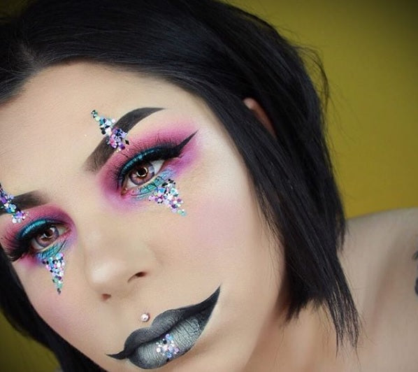 "Glitter Lambs ""My Unicorn Is Friends With The Boogie Man"" chunky festival body glitter worn by @sierracone #glitter #glitterlambs #bodyglitter #chunkyglitter #festivalglitter #mua #makeup #makeupartist #makeuplooks #glittereyeshadow #glittermakeup"