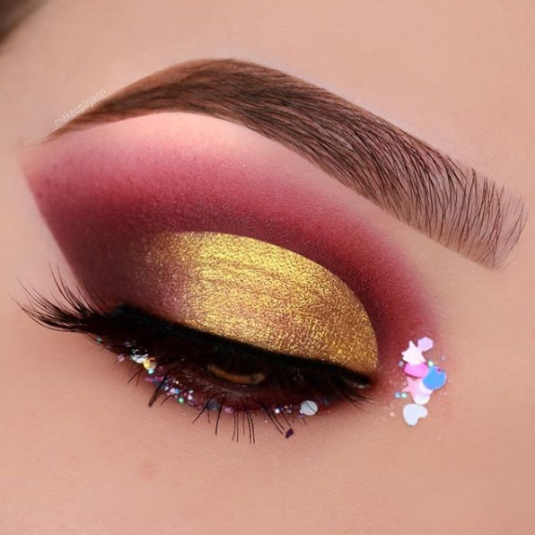 "@_makeupbyann is wearing @glitterlambs ""Sweet Tooth"" chunky body glitter"