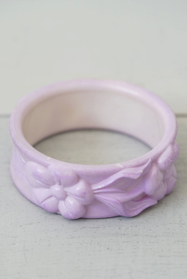 Vintage Midcentury Purple Plastic Carved Flower Bangle Bracelet