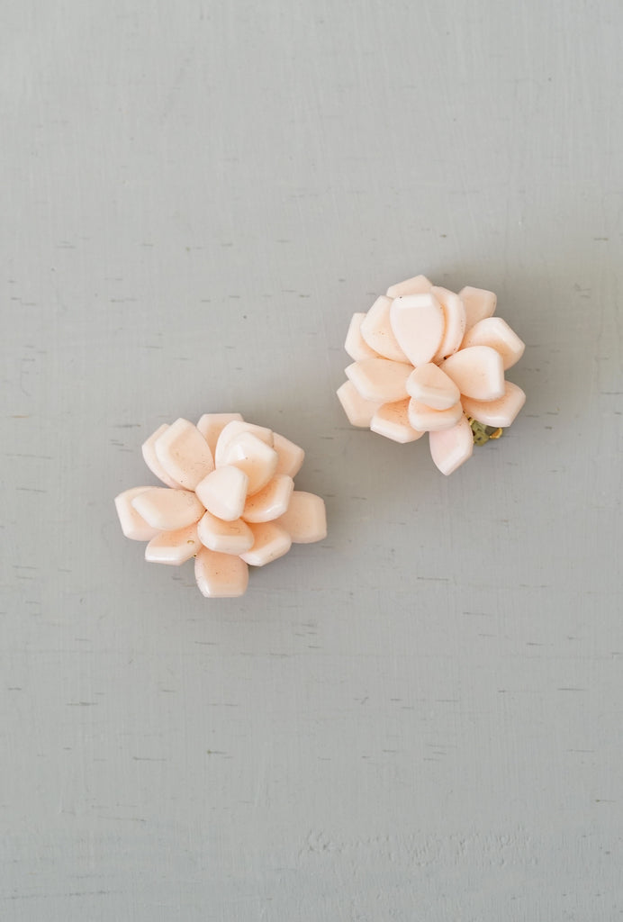Vintage Retro Soft Pink Flower Clip-On Earrings